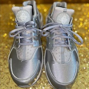 Grey Huarache Nike Sports Shoes